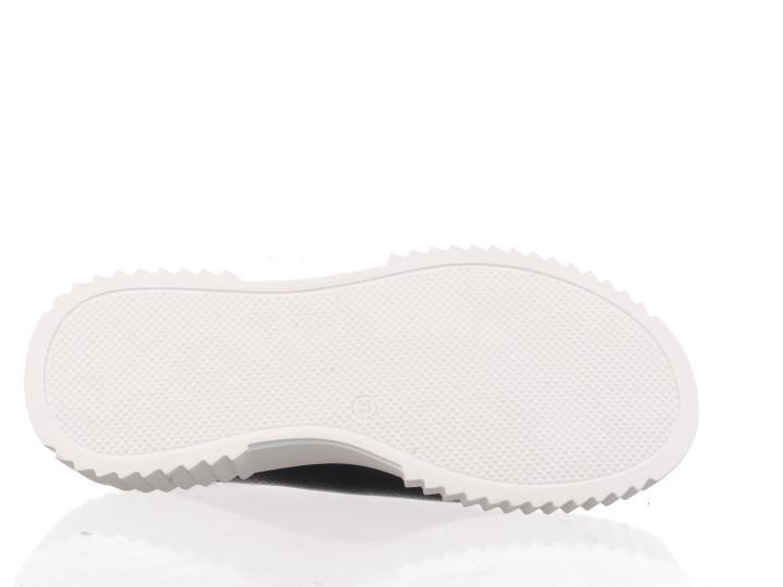 Kleurrijke runner van Scotch&Soda in een combinatie van suède,lakleer en mesh.