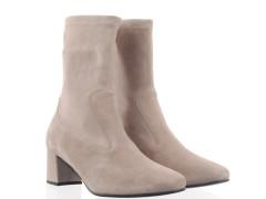 Copenhagen dames sneaker in off-white gepolsterd leder met een witte chunky zool