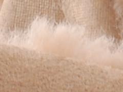 Trendy loafer in zwart kalfsleder met een aparte geribbelde zool in light-weight rubber met grof profiel